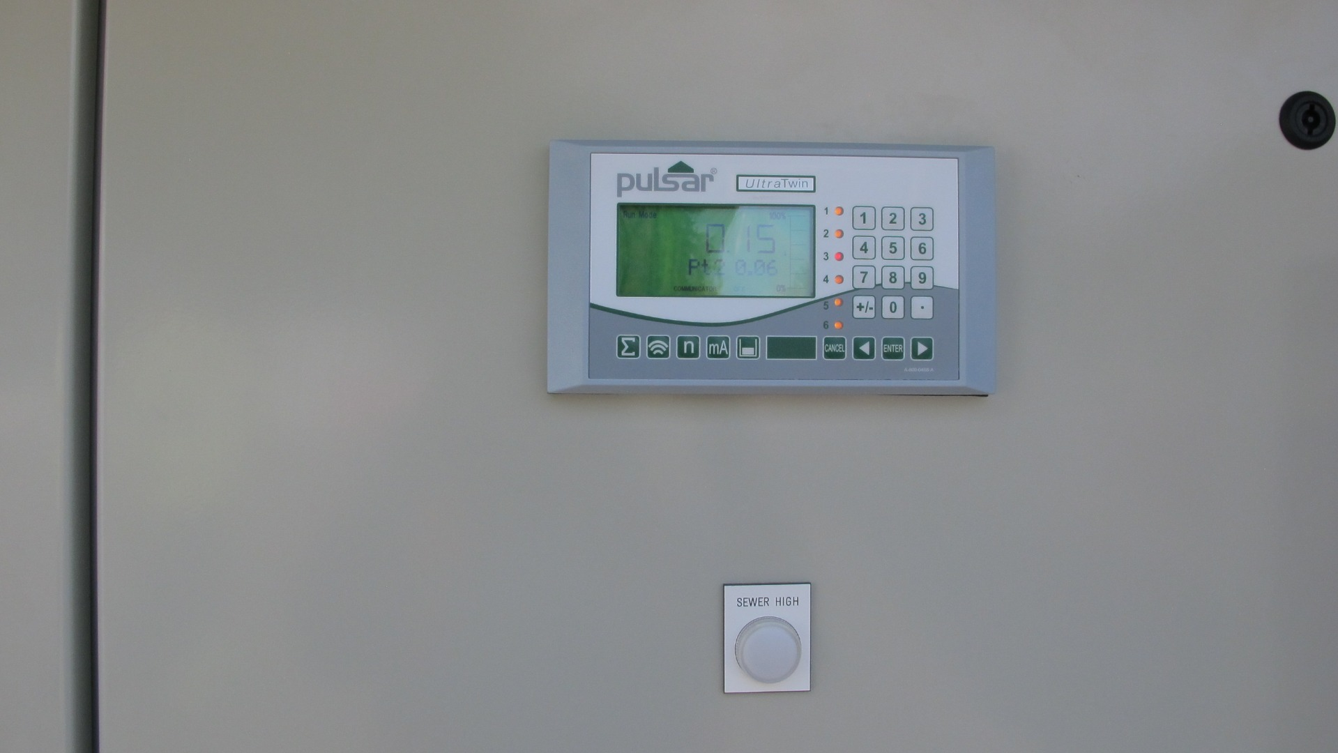 UltraTWIN controller in panel